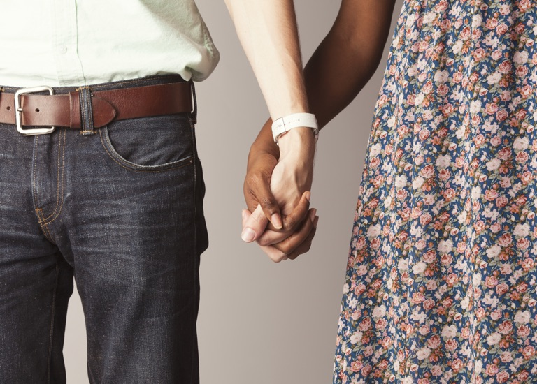 christian dating advice holding hands 7 quotes from holding hands, holding hearts: recovering a biblical view of christian dating: 'what, then, does submission and respect look like for a wom.