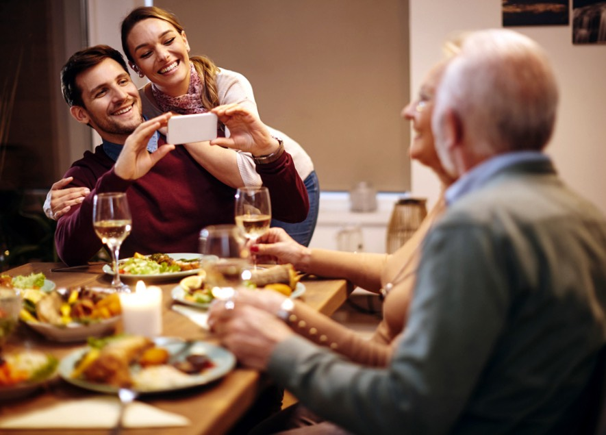 family relationships affect dating